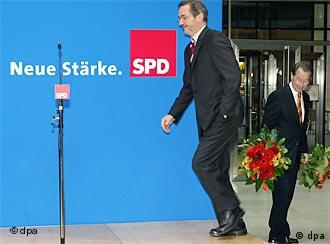 Platzeck (left) is taking over from Müntefering (right)