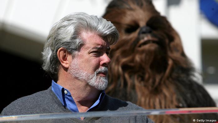 George Lucas 70. Geburtstag mit Filmfigur Chewbacca (Foto: Michael Buckner/Getty Images)