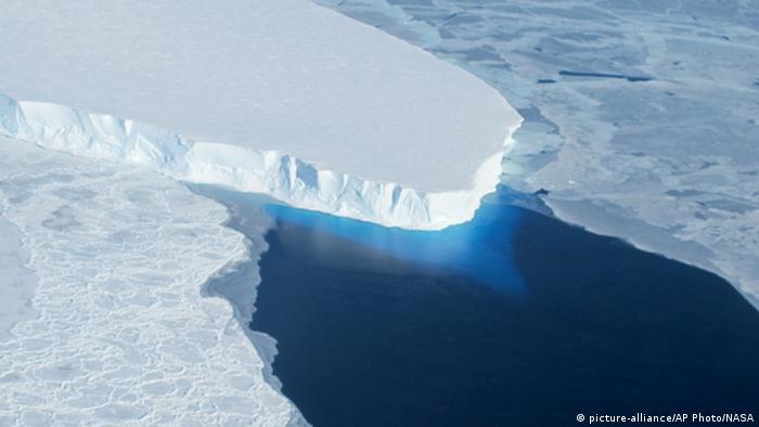 غییرات آب و هوایی بر کوههای یخ قطب جنوب نیز تاثیر منفی داشتهاند