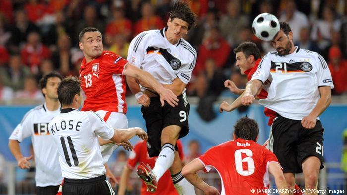 Fußball Deutschland vs Polen EM 2008 (JANEK SKARZYNSKI/AFP/Getty Images)
