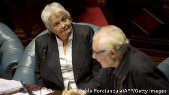 Lucia Topolansky im Parlament (Foto: AFP)