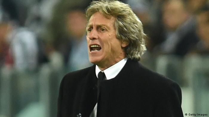 Trainer Jorge Jesus am Spielfeldrand (Foto: Valerio Pennicino/Getty Images)