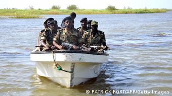 Wanajeshi wa Cameroon wakifanya doria katika ziwa Chad