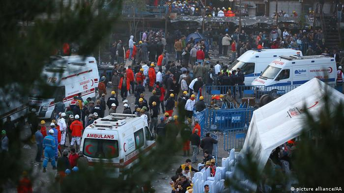 Rescue work continued until the morning after the fire in a coal mine in Manisa Emin Menguarslan / Anadolu Agency