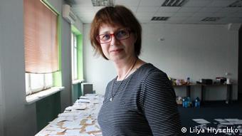 Наталя Савчук щодня присвячує паперам Курченка кілька годин