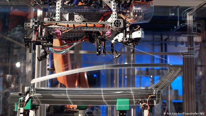 Fabrik der Zukunft: Produktion einer Autotür(Foto: Art-Kon-tor + Fraunhofer IWU).