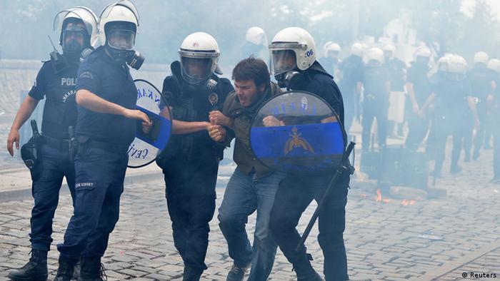 Soma kazasının ardından 14 Mayıs 2014'te Ankara'da protesto gösterileri düzenlenmişti.