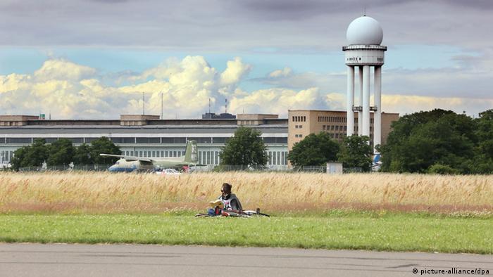 Bildergalerie Tempelhofer Feld Startbahn (picture-alliance/dpa)