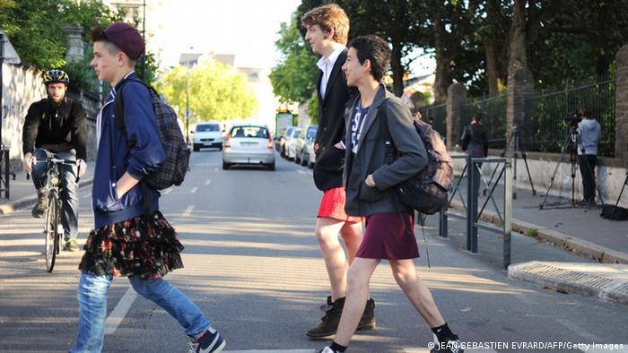 Anti Sexismus-Aktion an Schulen in Frankreich