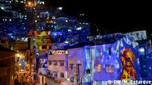Kunstwerk von Philipp Geist, deutscher Lichtkünstler in der Favela Santa Marta, Rio de Janeiro beim Deutschland-Brasilien-Jahr. Foto: Marina Estarque/DW, Mai 2014