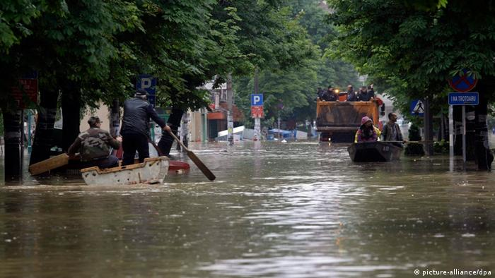 Record flooding in Balkans | All media content | DW | 18 ...