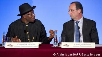 Nigeria's president Goodluck Jonathan and French president Francois Hollande give a press conference. Photo: ALAIN JOCARD/AFP/Getty Images
