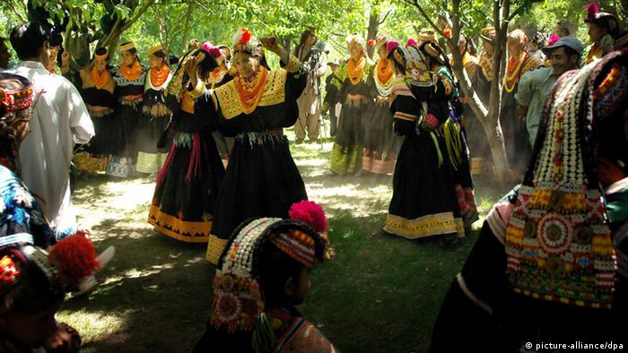 Stamm der Kalash in Pakistan