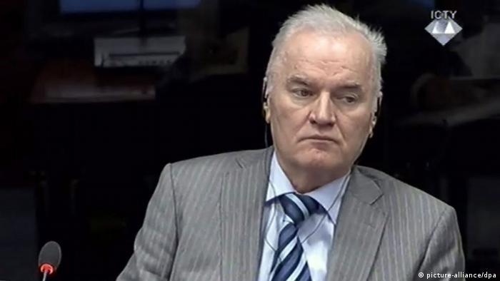 Ratko Mladić u sudnici Haaškog suda 2014. godine