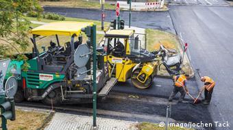 Шлакоблоки використовуються в Німеччині при будівництві доріг замість щебеню