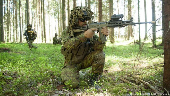 Солдаты НАТО на учениях в одной из стран Балтии