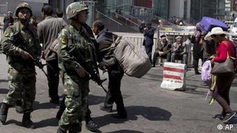 uighuren paramilitärs urumqi xinjiang china islam