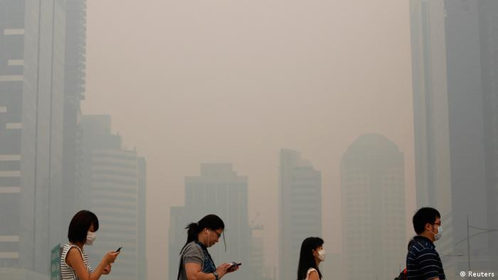 Smog in Singapore (Reuters)