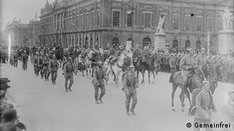 Patriotischer Umzug im September 1914 in Berlin (Foto: commons.wikimedia)