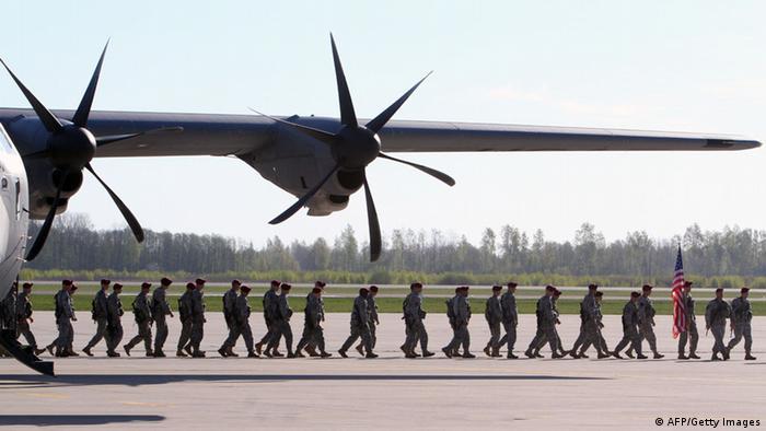 Солдаты НАТО на учениях в восточной Европе