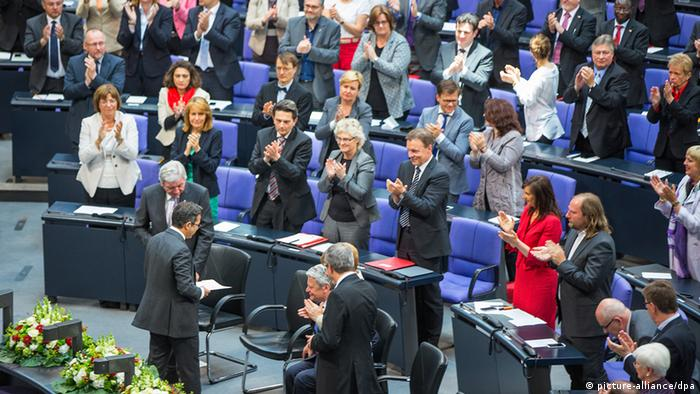 Bundestag Feierstunde Kermani Applaus 23.05.2014