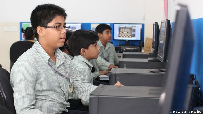 Indien Schüler (picture-alliance/dpa)