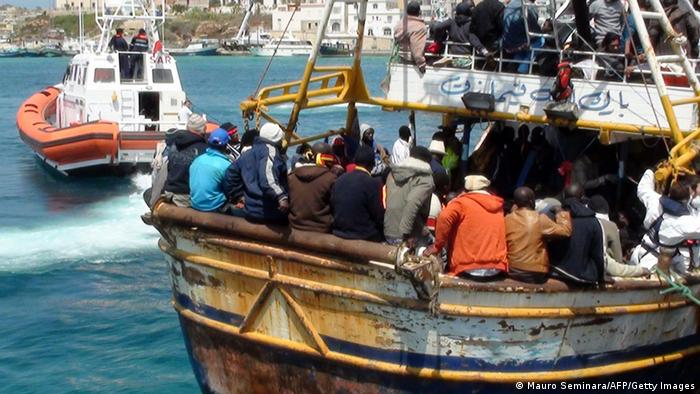 Libyans arrive in Italy