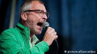 Der Grünen-Abgeordnete Volker Beck spricht bei einer Veranstaltung in Köln (Foto: Rolf Vennenbernd/dpa)