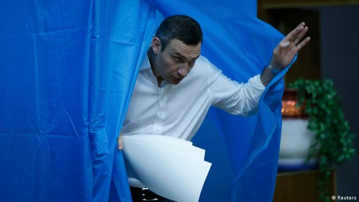 Klitschko votes in Ukraine's elections