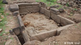 Un estanque de piedra que puede haber sido usado por el pueblo rapa nui entre los años 1300 y 1600 de nuestra era.