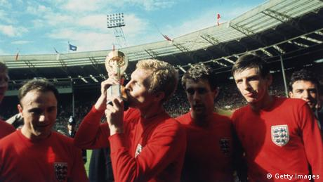 Bobby Moore WM Finale gegen Deutschland 1966