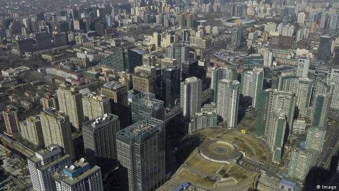 China Symbolbild Wirtschaft Skyline Peking