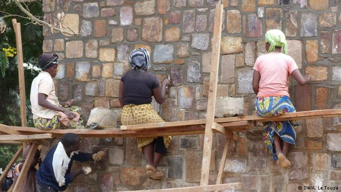 Bildergalerie Ruanda Kontraste (DW/A. Le Touzé)