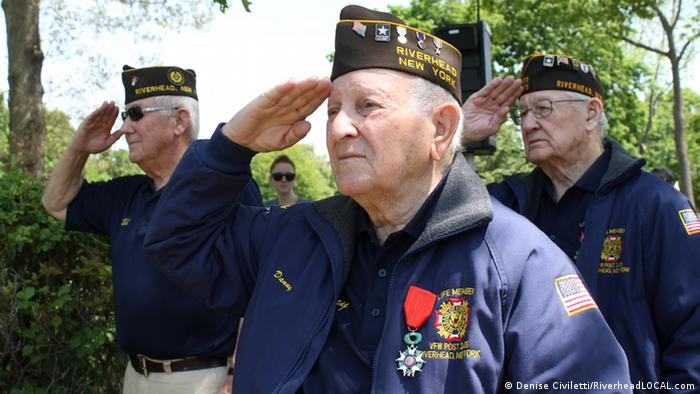 Veterano relembra Dia D e as batalhas contra as tropas nazistas   Notícias  internacionais e análises   DW   06.06.2014