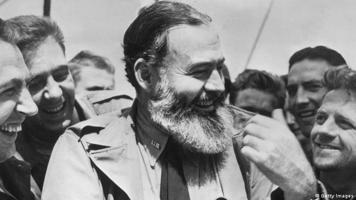 D-Day Soldaten Reporter Ernest Hemingway 1944 (Getty Images)