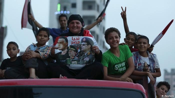 Anhänger Al-Sisis feiern in Kairo (Foto: rtr)