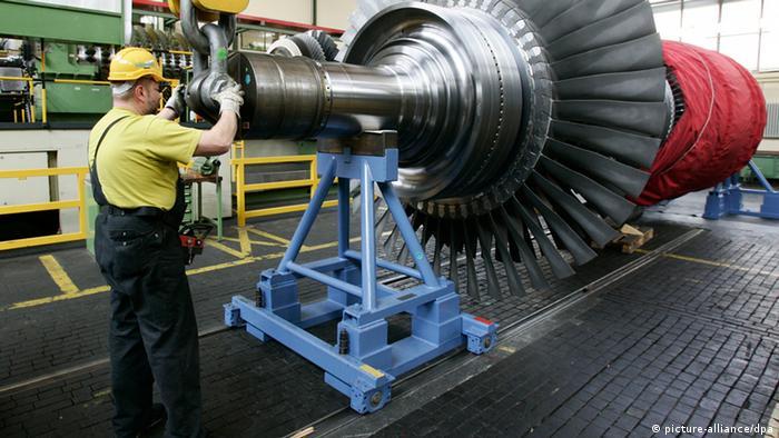 На заводе Siemens в Берилне изготовили газовую турбину.
