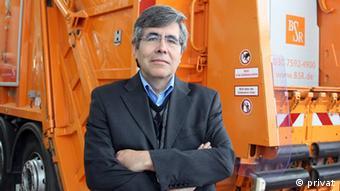El profesor Raúl Rojas desarrolla los FUmanoides.