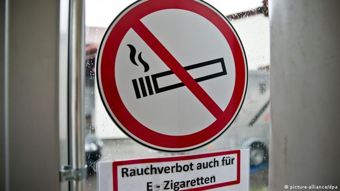 Einatmen Zigarre Rauch Orgasmus