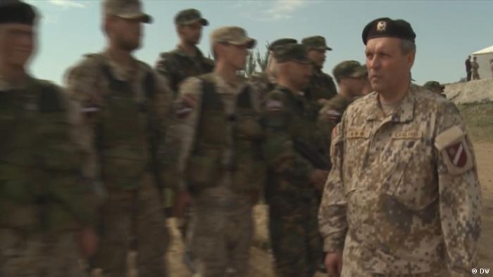 Латвийские военнослужащие во время учений НАТО