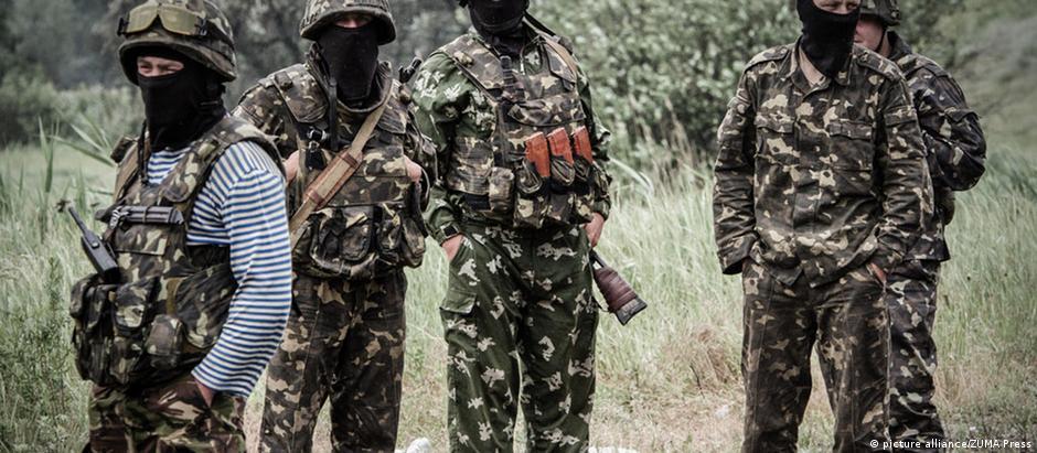 Soldados da guarda nacional da Ucrânia, que lutam contra separatistas no leste do país
