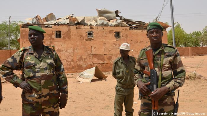 Nigeria Soldaten Archiv 2013