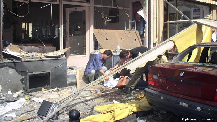 Verwüstung nach Bombenanschlag Keupstraße Köln 2004