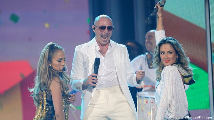 Pitbull, Jennifer Lopez and Claudia Leitte sing the 2014 World Cup song