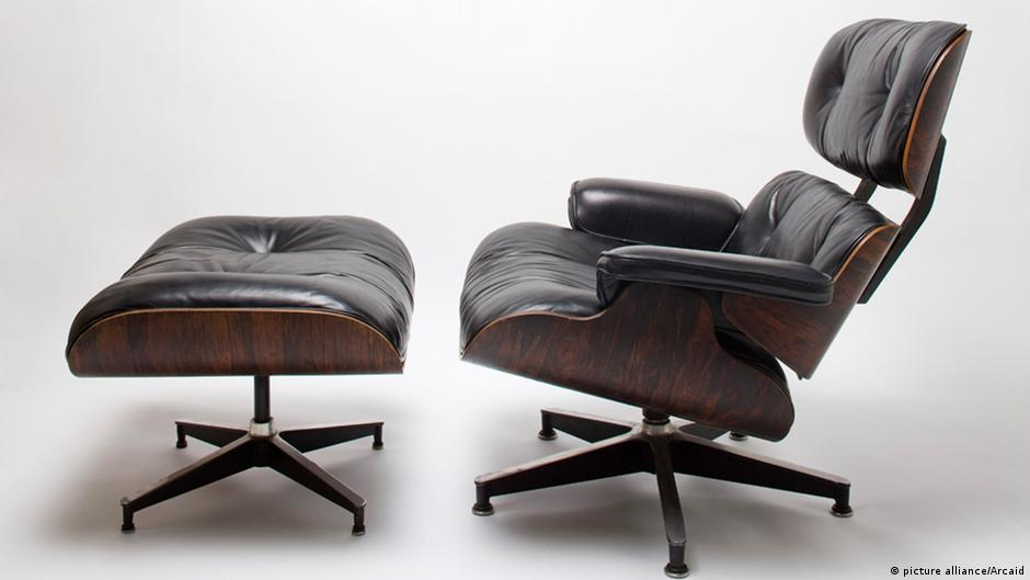 Terrific The Ultimate Lounge Chair How The Eames Redesigned The Unemploymentrelief Wooden Chair Designs For Living Room Unemploymentrelieforg