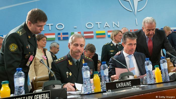 OTAN busca linha comum em crise do Leste Europeu