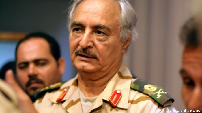Libyen Umsturz-General Chalifa Haftar (picture-alliance/dpa)