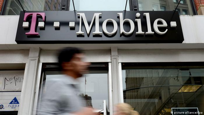 USA T-Mobile Logo in New York (picture-alliance/dpa)