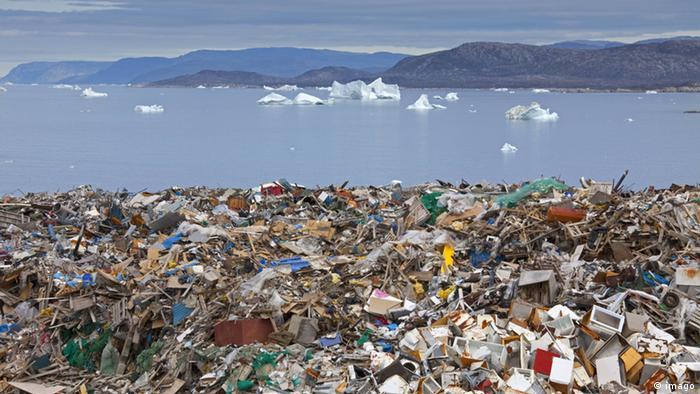 Symbolbild Plastikmüll Strand Meer