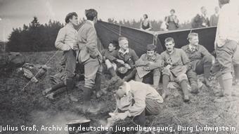 Selbstbewusst und selbstbestimmt: die Wandervögel. Jugendliche auf dem Freideutscher Jugendtag 1913 auf dem Hohenmeißner